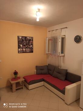 Kaštel Štafilić, Living room in the apartment, WiFi.