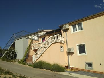 Maslenica, Novigrad, Property 13405 - Apartments with pebble beach.