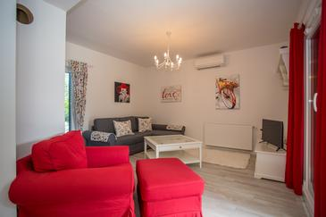 Mali Ston, Living room in the house, air condition available, (pet friendly) and WiFi.