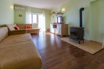 Crikvenica, Dnevni boravak u smještaju tipa apartment, dostupna klima i WiFi.