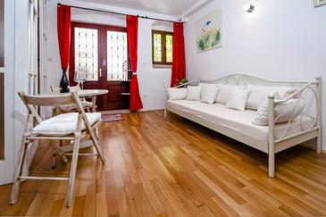 Rovinj, Living room in the studio-apartment, dopusteni kucni ljubimci i WIFI.