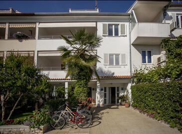 Rovinj, Rovinj, Property 13462 - Apartments with pebble beach.