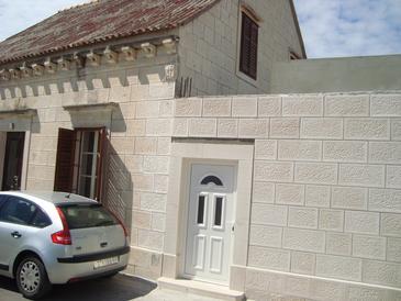 Povlja, Brač, Objekt 13484 - Apartmani blizu mora.
