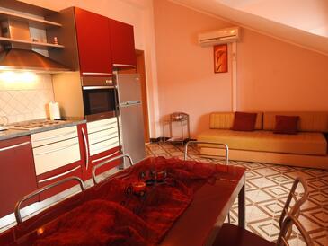 Brna, Столовая в размещении типа apartment, WiFi.