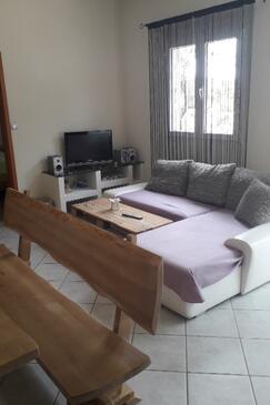 Borova, Obývací pokoj v ubytování typu house, domácí mazlíčci povoleni a WiFi.