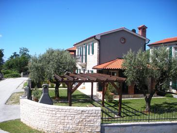 Buići, Poreč, Property 13529 - Vacation Rentals with pebble beach.