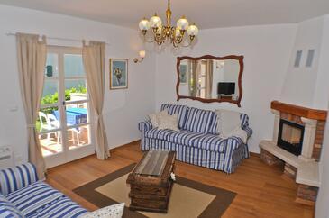 Buići, Dnevna soba v nastanitvi vrste house, dostopna klima, Hišni ljubljenčki dovoljeni in WiFi.