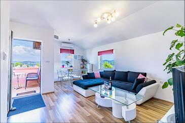 Bilice, Obývací pokoj v ubytování typu apartment, s klimatizací a WiFi.
