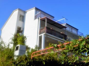 Kaštel Stari, Kaštela, Property 13578 - Apartments near sea with pebble beach.