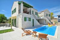 Family friendly apartments with a swimming pool Privlaka (Zadar) - 13590