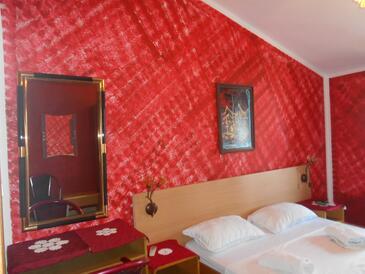 Rovinj, Ložnice v ubytování typu room, s klimatizací a WiFi.