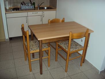 Zaton, Dining room in the apartment, air condition available and WiFi.