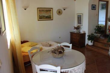Smokvina, Obývacia izba v ubytovacej jednotke house.