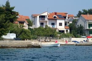 Apartments by the sea Brodarica, Šibenik - 13615