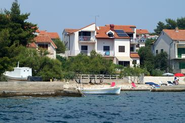 Brodarica, Šibenik, Property 13615 - Apartments by the sea.