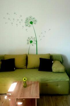 Tučepi, Obývací pokoj v ubytování typu apartment, dostupna klima, dopusteni kucni ljubimci i WIFI.