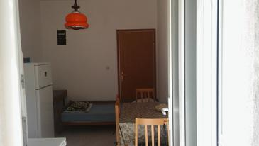 Luka Dubrava, Dining room in the apartment, WiFi.
