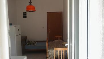 Luka Dubrava, Jídelna v ubytování typu apartment, WiFi.