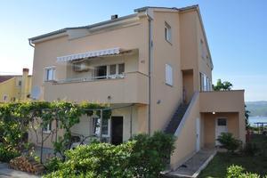 Apartmány s parkovištěm Omišalj (Krk) - 13637