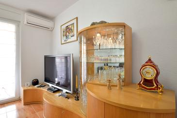 Medulin, Living room in the house, air condition available and WiFi.