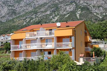 Gradac, Makarska, Property 13681 - Apartments near sea with pebble beach.