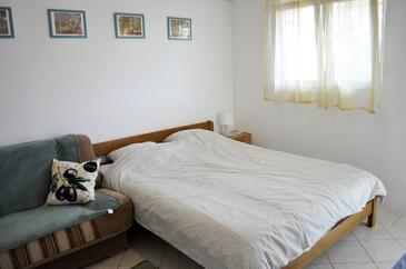 Vir, Obývací pokoj v ubytování typu studio-apartment, domácí mazlíčci povoleni a WiFi.
