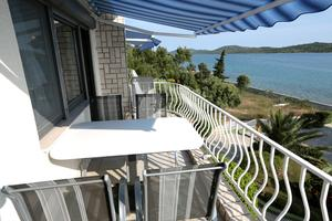 Family friendly seaside apartments Pirovac (Šibenik) - 13692