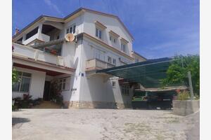 Apartments with a parking space Supetarska Draga - Gornja (Rab) - 13705