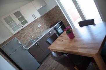 Oštrička luka, Столовая в размещении типа apartment, доступный кондиционер и WiFi.