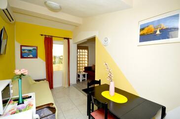 Okrug Donji, Obývacia izba 1 v ubytovacej jednotke apartment, klimatizácia k dispozícii a WiFi.