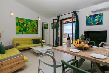 Ražanj, Obývací pokoj 1 v ubytování typu house, s klimatizací, domácí mazlíčci povoleni a WiFi.