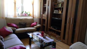 Smoljanac, Living room in the house, (pet friendly) and WiFi.