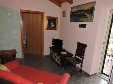 Sutomišćica, Obývací pokoj v ubytování typu apartment, s klimatizací a WiFi.