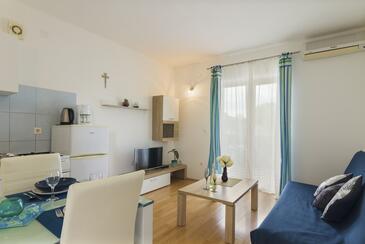 Štinjan, Obývací pokoj v ubytování typu apartment, s klimatizací, domácí mazlíčci povoleni a WiFi.