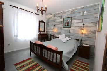 Bedroom    - A-13811-b
