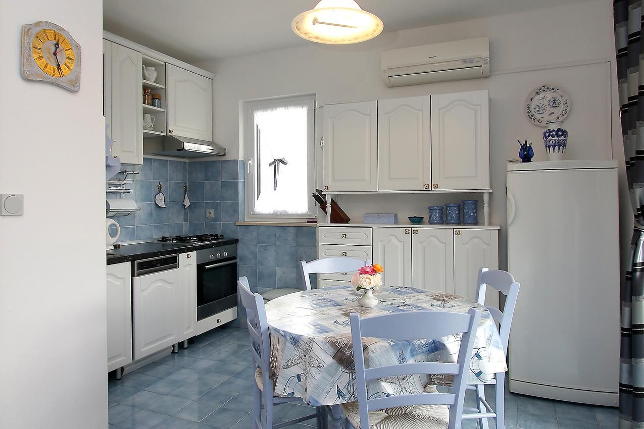 ferienwohnung im ort vinjerac zadar kapazit t 2 1. Black Bedroom Furniture Sets. Home Design Ideas