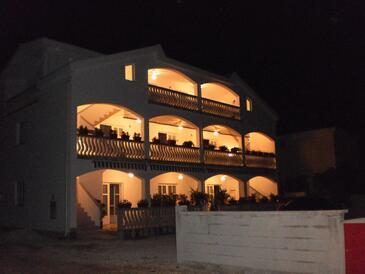 Vir, Vir, Объект 13817 - Апартаменты с галечным пляжем.