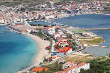 Pag, Pag, Objekt 13821 - Ubytovanie blízko mora s kamienkovou plážou.