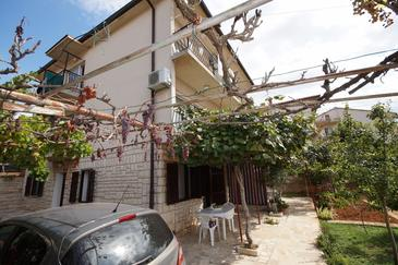 Pula, Pula, Property 13830 - Apartments with pebble beach.