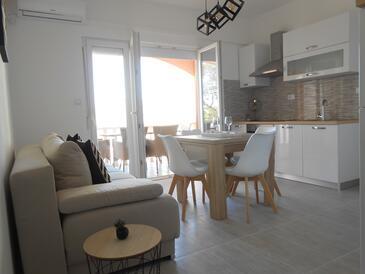 Okrug Gornji, Camera di soggiorno nell'alloggi del tipo apartment, condizionatore disponibile e WiFi.