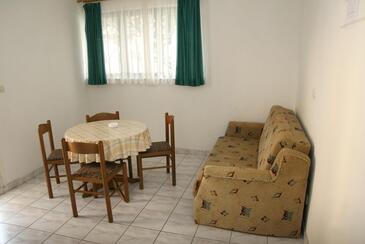 Srima - Vodice, Столовая в размещении типа apartment, доступный кондиционер, Домашние животные допускаются и WiFi.