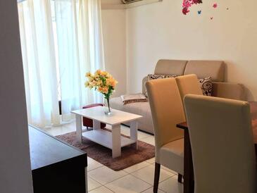 Split, Obývacia izba v ubytovacej jednotke apartment, dostupna klima, dopusteni kucni ljubimci i WIFI.