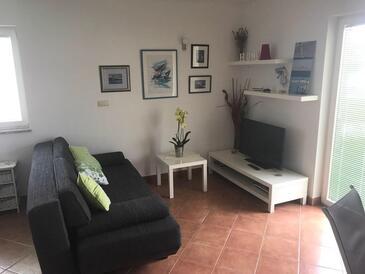 Palit, Obývací pokoj v ubytování typu apartment, dostupna klima i WIFI.