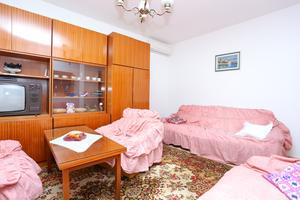 Holiday apartments Split - 13885