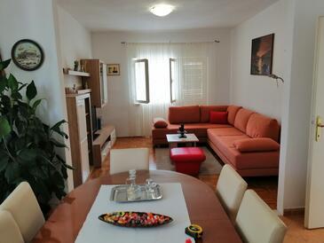 Zadar, Obývací pokoj v ubytování typu apartment, s klimatizací, domácí mazlíčci povoleni a WiFi.