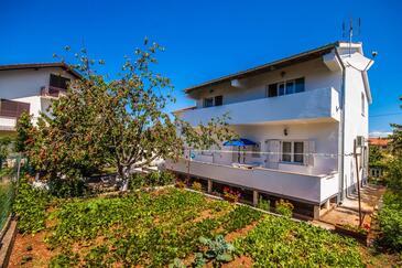 Zadar, Zadar, Объект 13910 - Апартаменты с галечным пляжем.