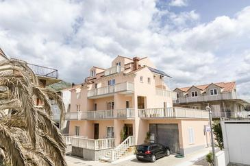 Cavtat, Dubrovnik, Property 13941 - Apartments with pebble beach.