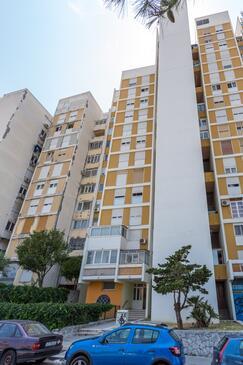 Split, Split, Object 13957 - Appartementen with pebble beach.