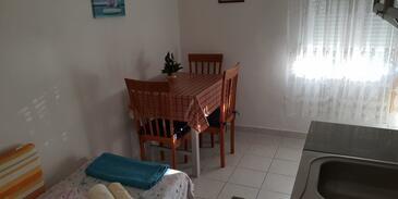 Grebaštica, Dining room in the studio-apartment.