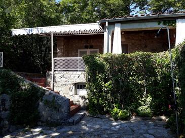Jadranovo, Crikvenica, Objekt 13972 - Kuća za odmor blizu mora sa šljunčanom plažom.